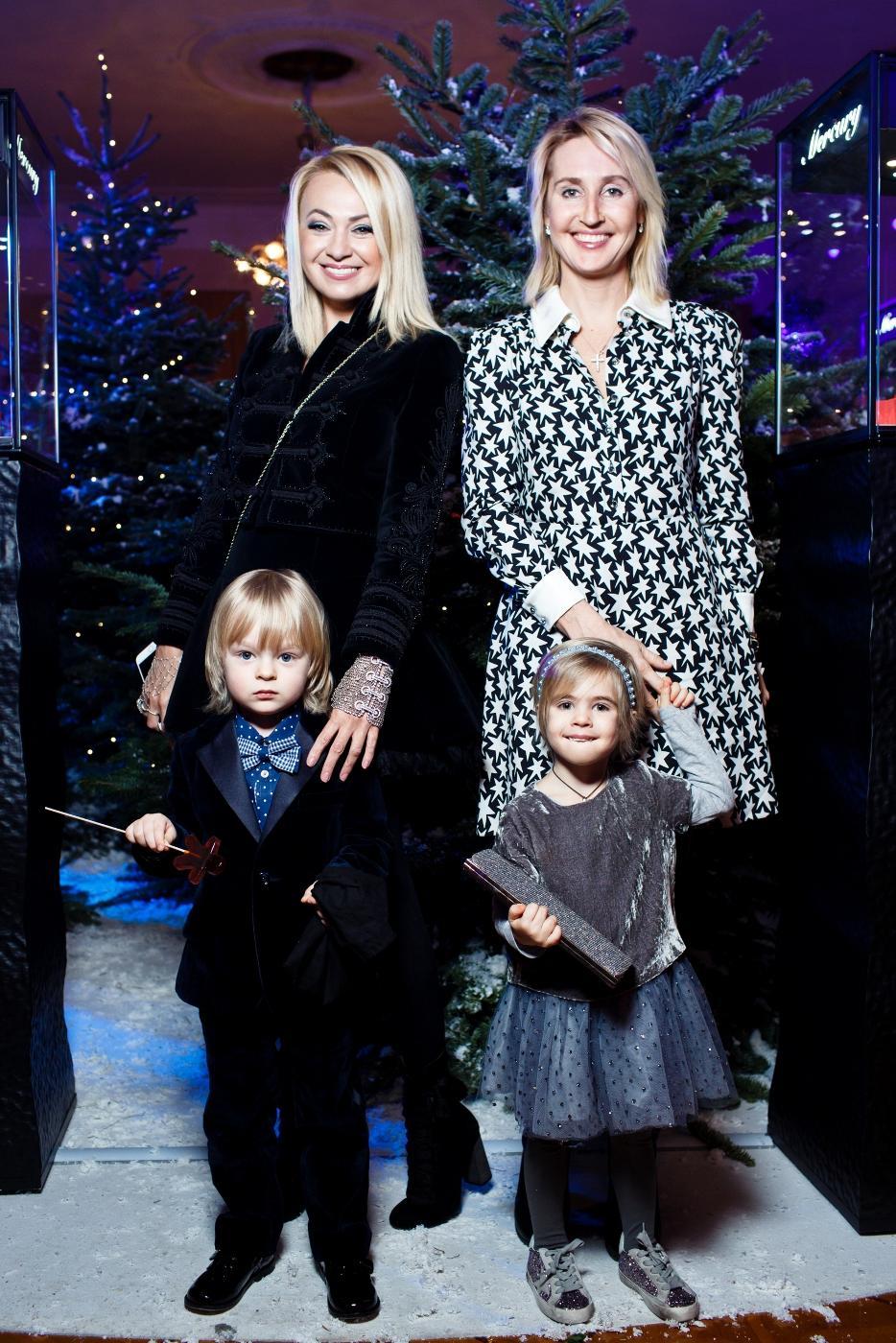 Яна рудковская ее фото с детьми